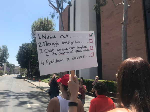 "The back of the ""USC Knew"" sign (Photo by Lauren Floyd)"