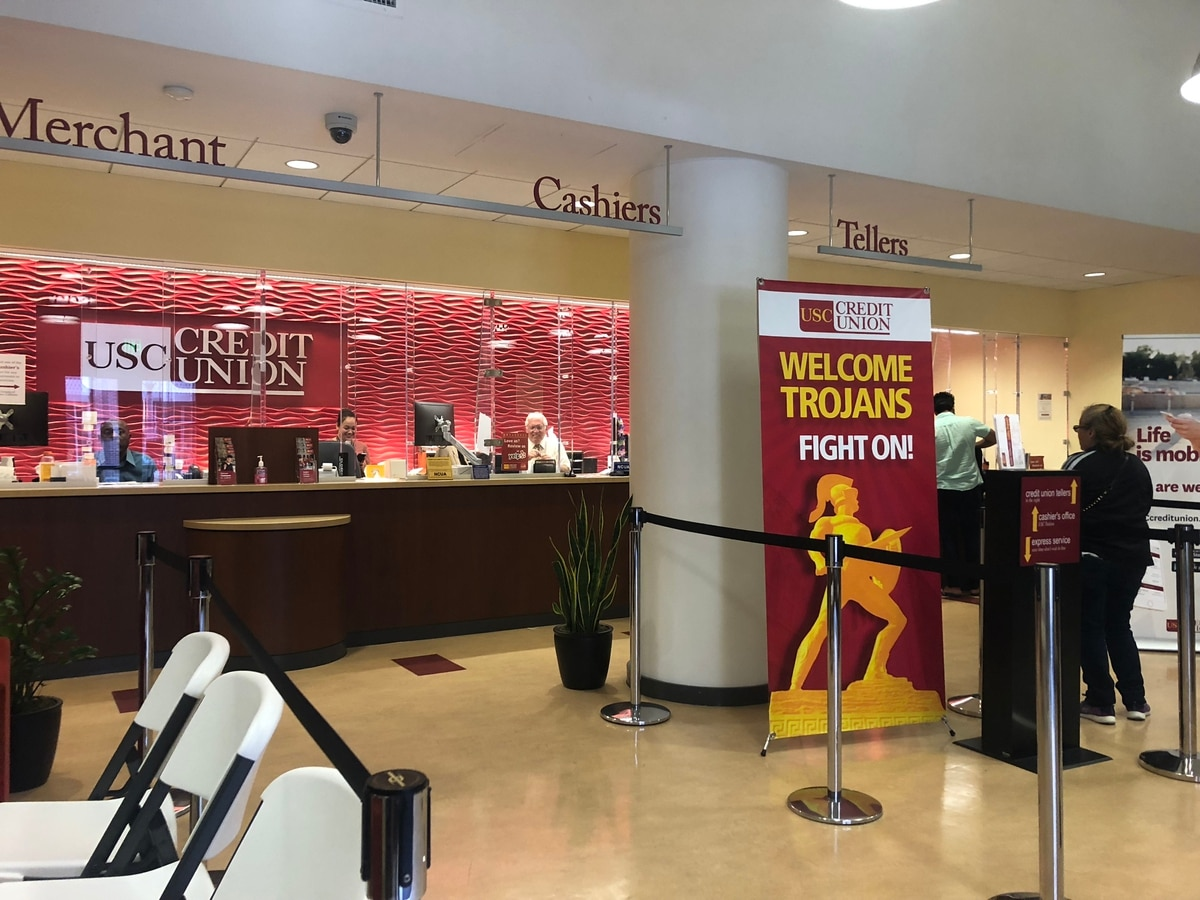 USC is considering removing credit card from its tuition