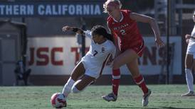 Trojans can't find a winner, settle for draw against Huskies