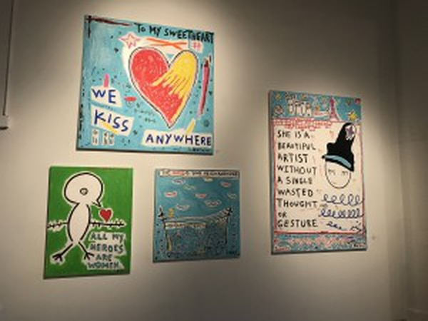 Work by Louis Cannizzaro, a featured artist at Ren Gallery, hangs on display (Maggie Suszka/USC Annenberg Media).