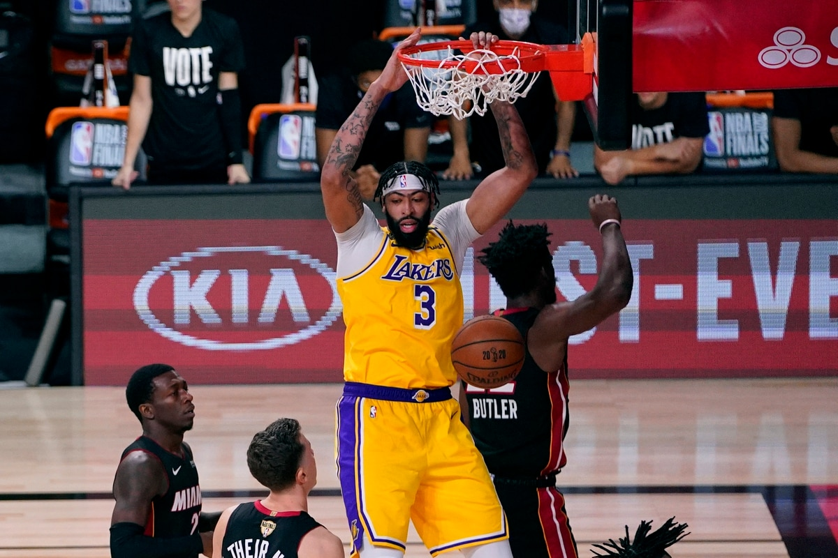 Trading Baskets This Nba Finals Is A Clash Of Basketball Philosophies
