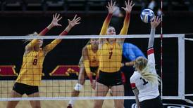 USC women's volleyball caps off weekend with a dominant win