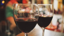 L.A. County eases COVID-19 restrictions for serving alcohol