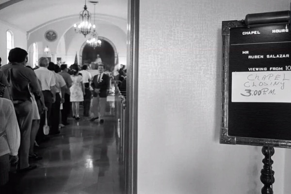 Mourners line up in a LA chapel to memorialize Ruben Salazar (Photo by: George Rodriguez)