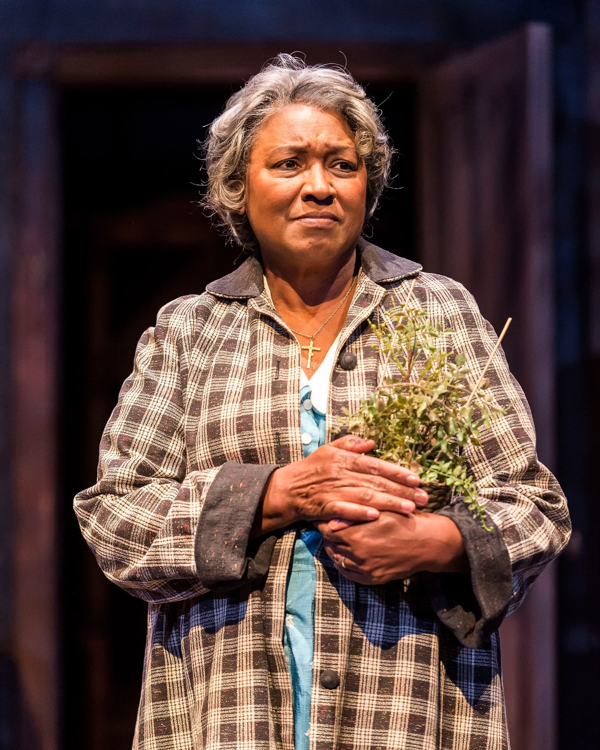 Review A Raisin In The Sun Bites Off More Than It Can Chew